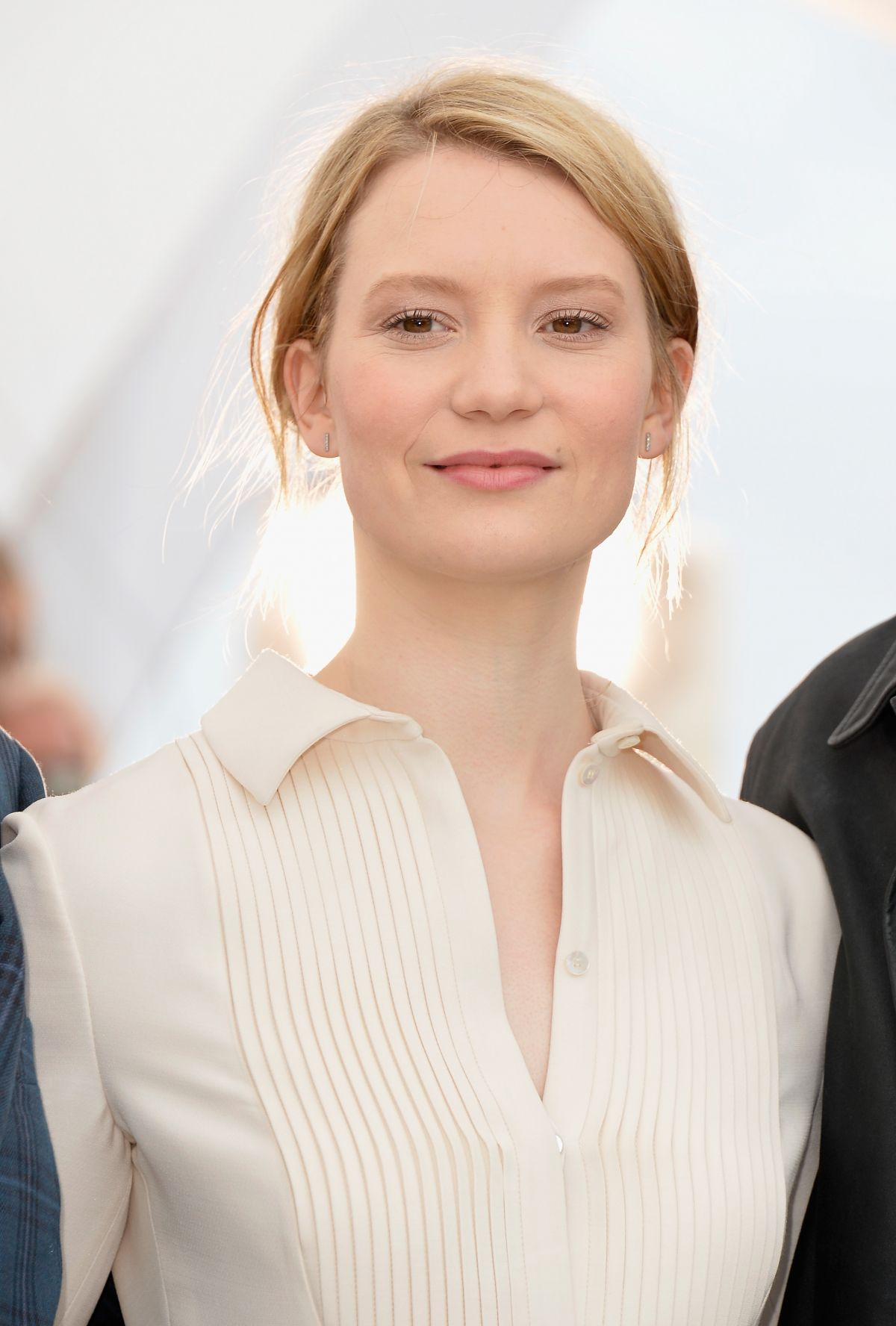 MIA WASIKOWSKA at Maps to the Stars Photocall at Canne