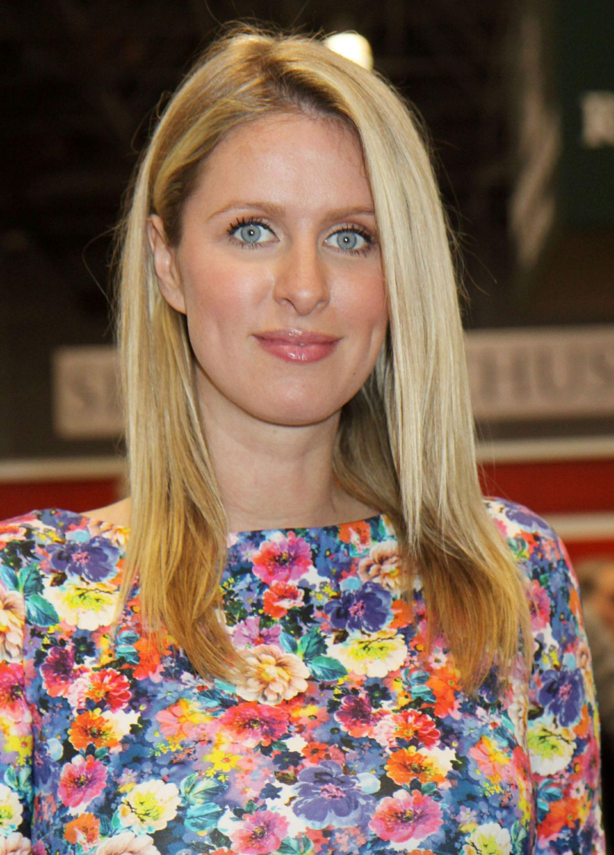 nicky hilton height