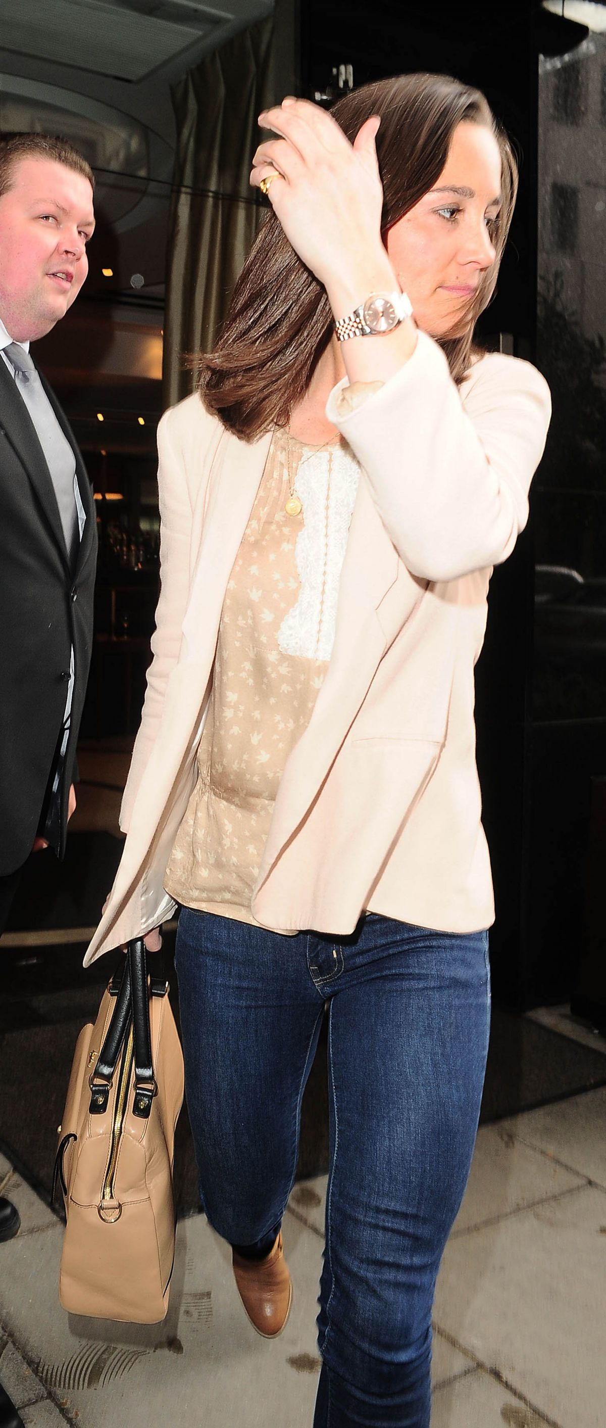 PIPPA MIDDLETON in Tight Jeans Leaves Square Restaurant in London