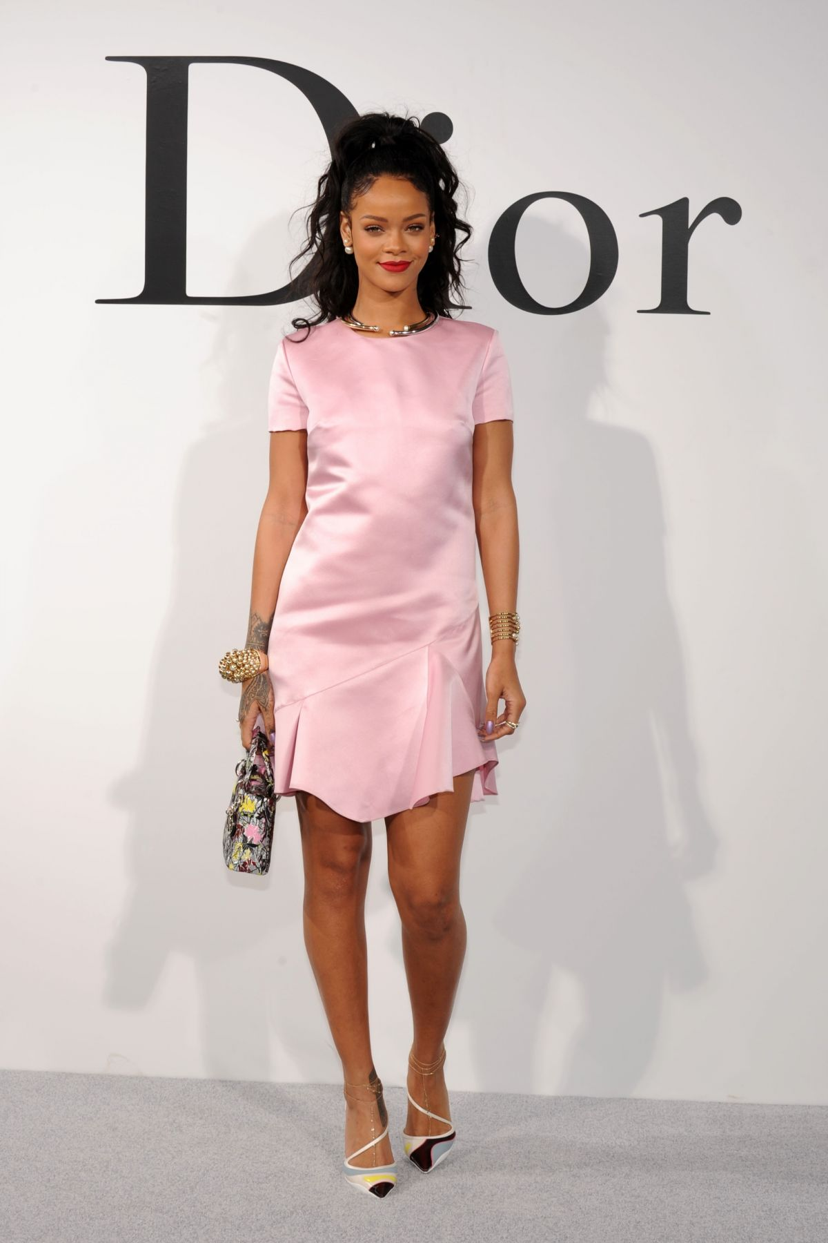 rihanna at dior cruise 2015 fashion show hawtcelebs. Black Bedroom Furniture Sets. Home Design Ideas
