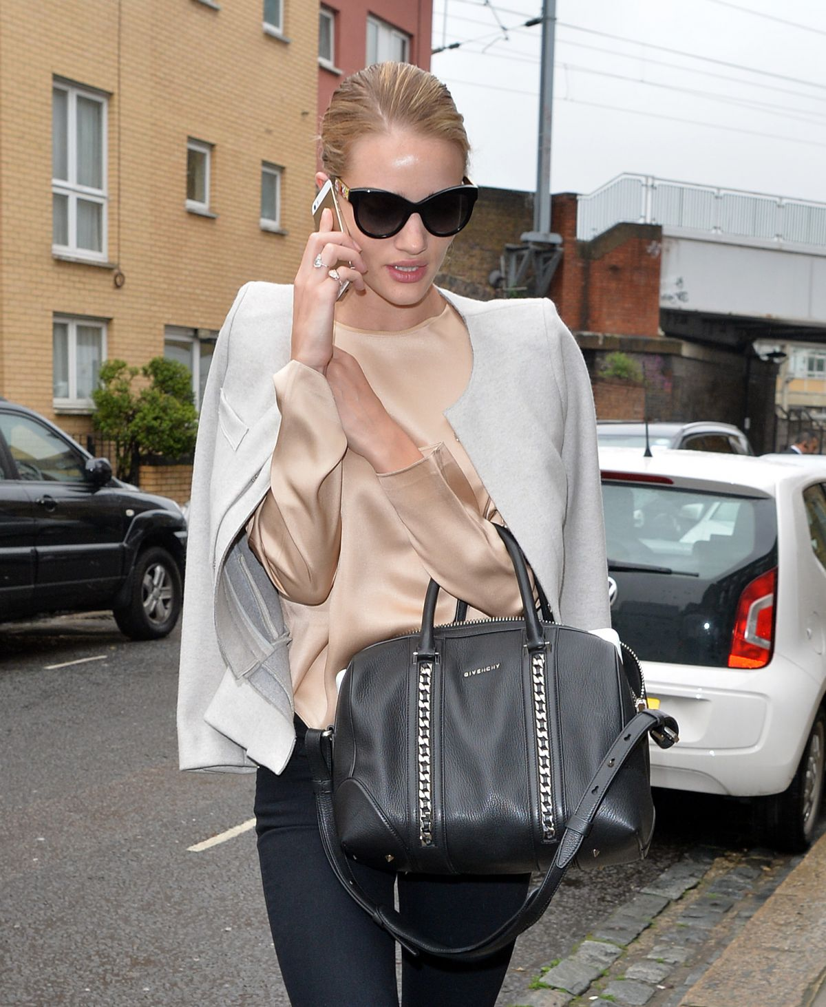 ROSIE HUNTINGTON-WHITELEY Arrives at a Salon in Beverly