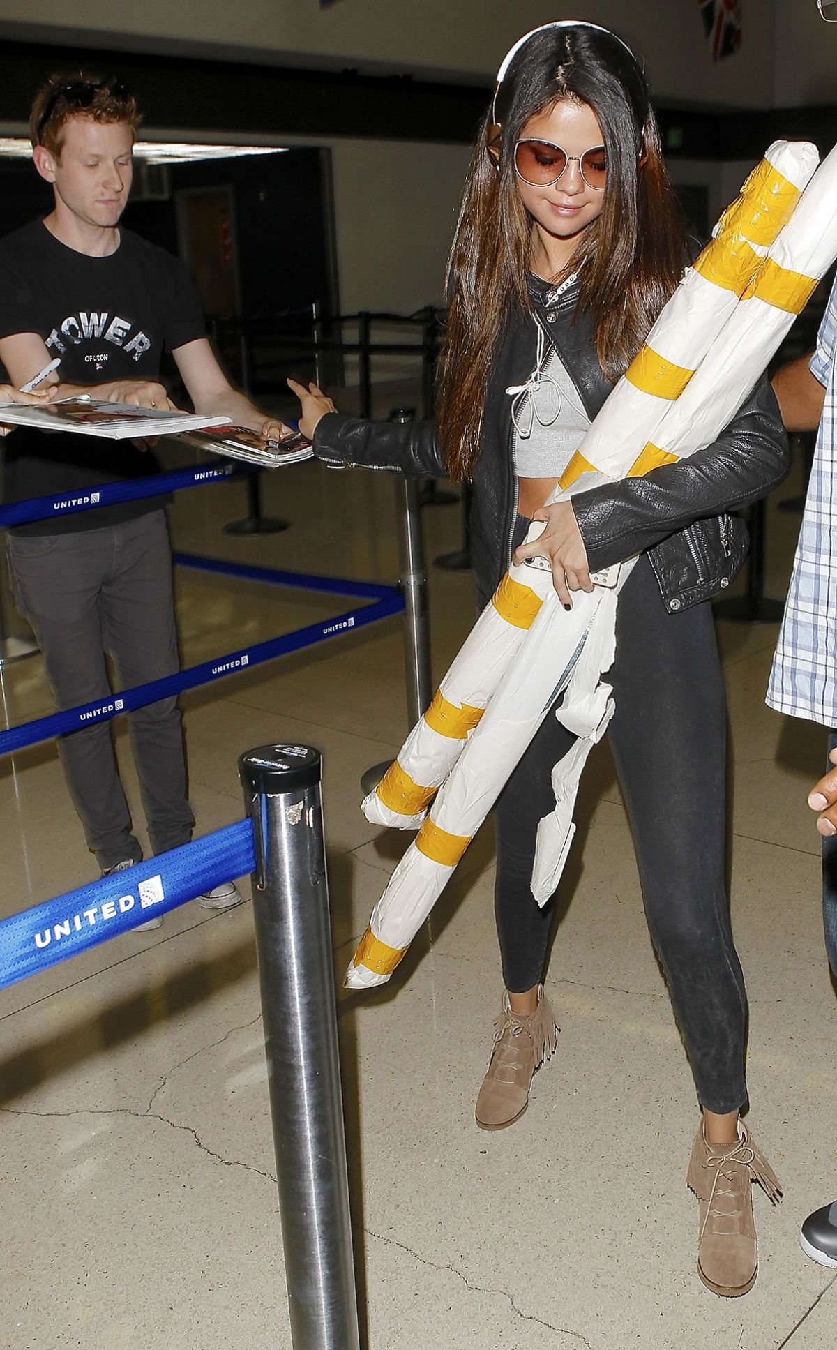 SELENA GOMEZ at LAX Airport in Los Angels 1305