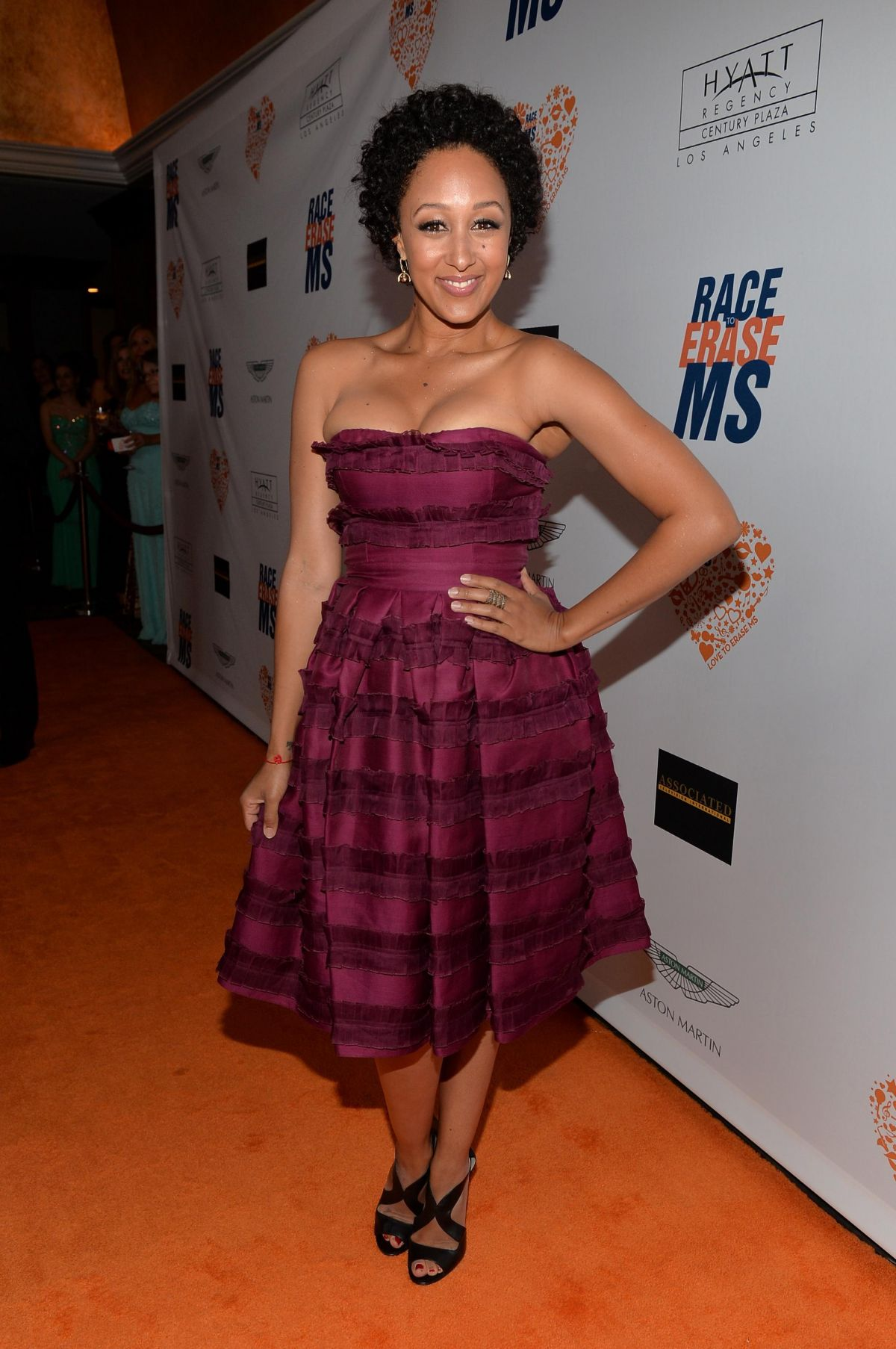 tamera mowry housley 2014 tamera mowry at race to erase ms rona kitchen cabinets rona kitchen cabinets sale
