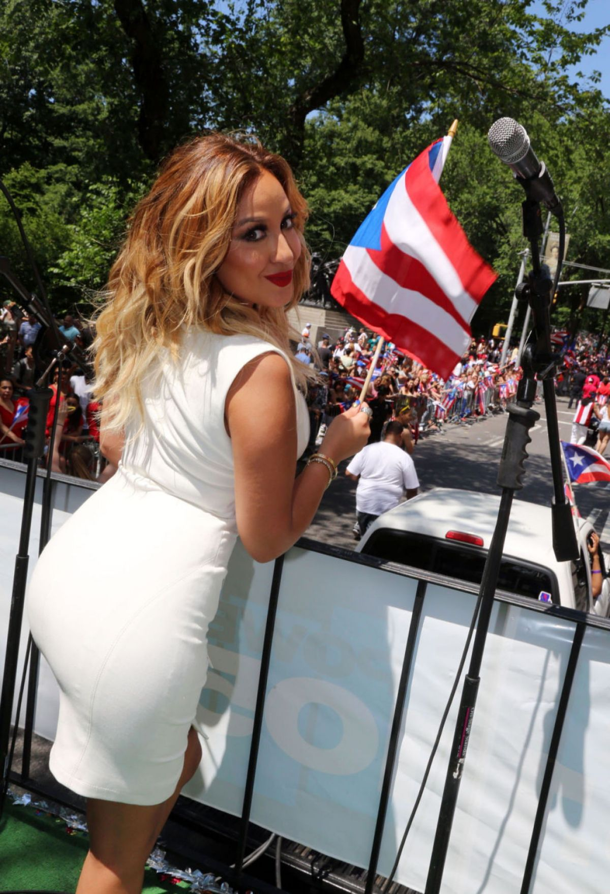 Puerto rican girl naked with flag, davalos naked ass