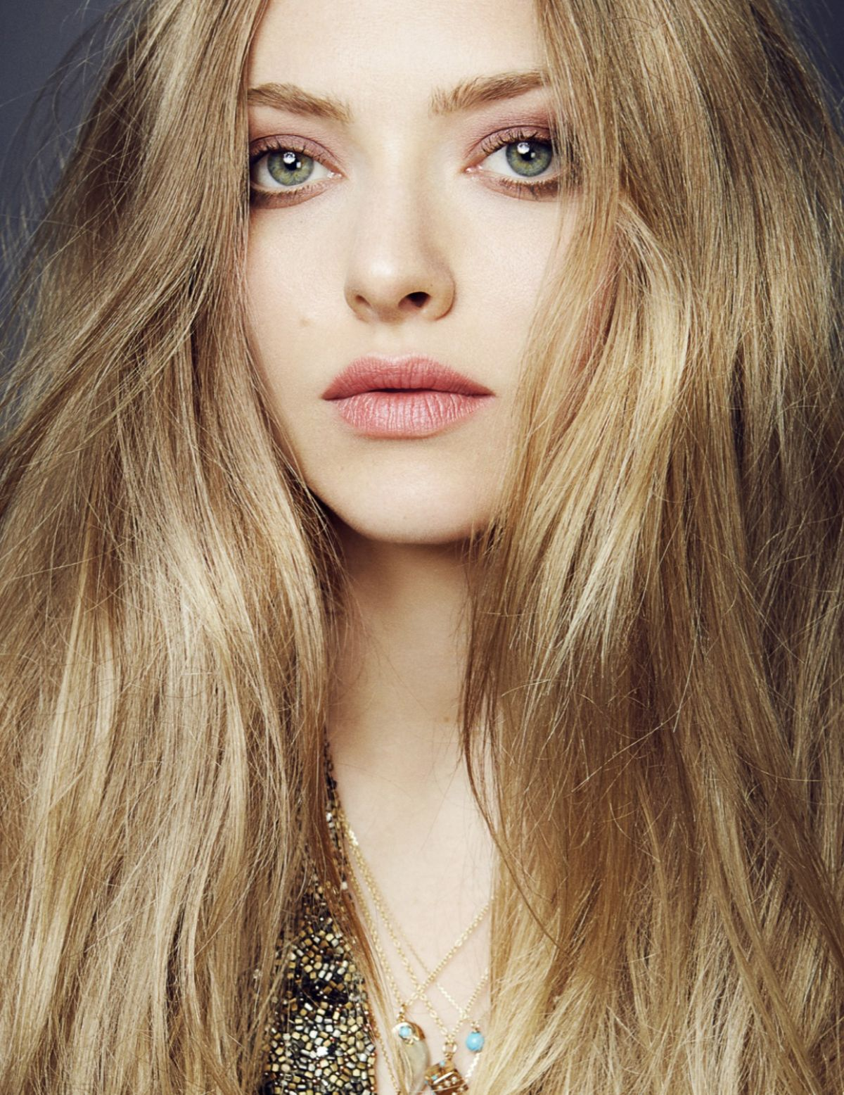 AMANDA SEYFRIED in Ell...