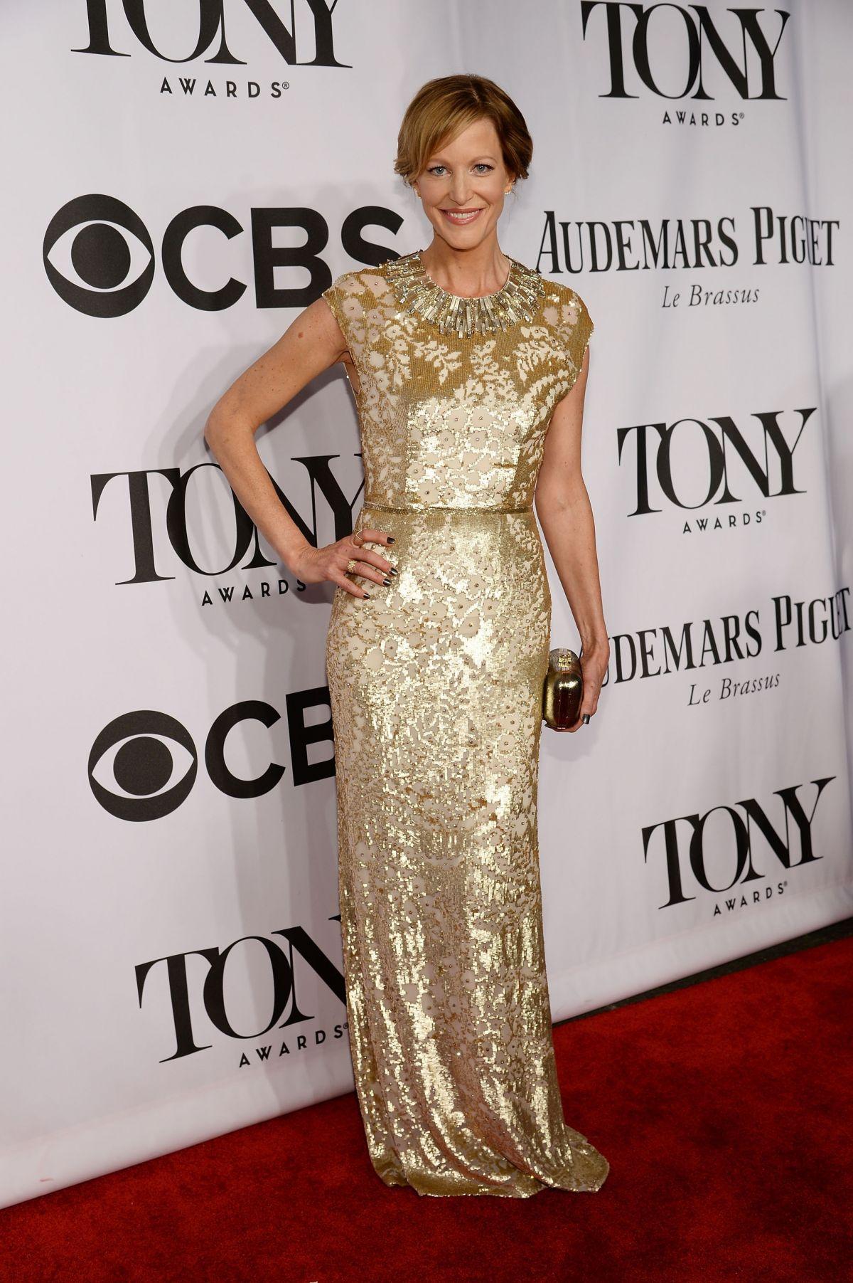 ANNA GUNN at 2014 Tony Awards in New York