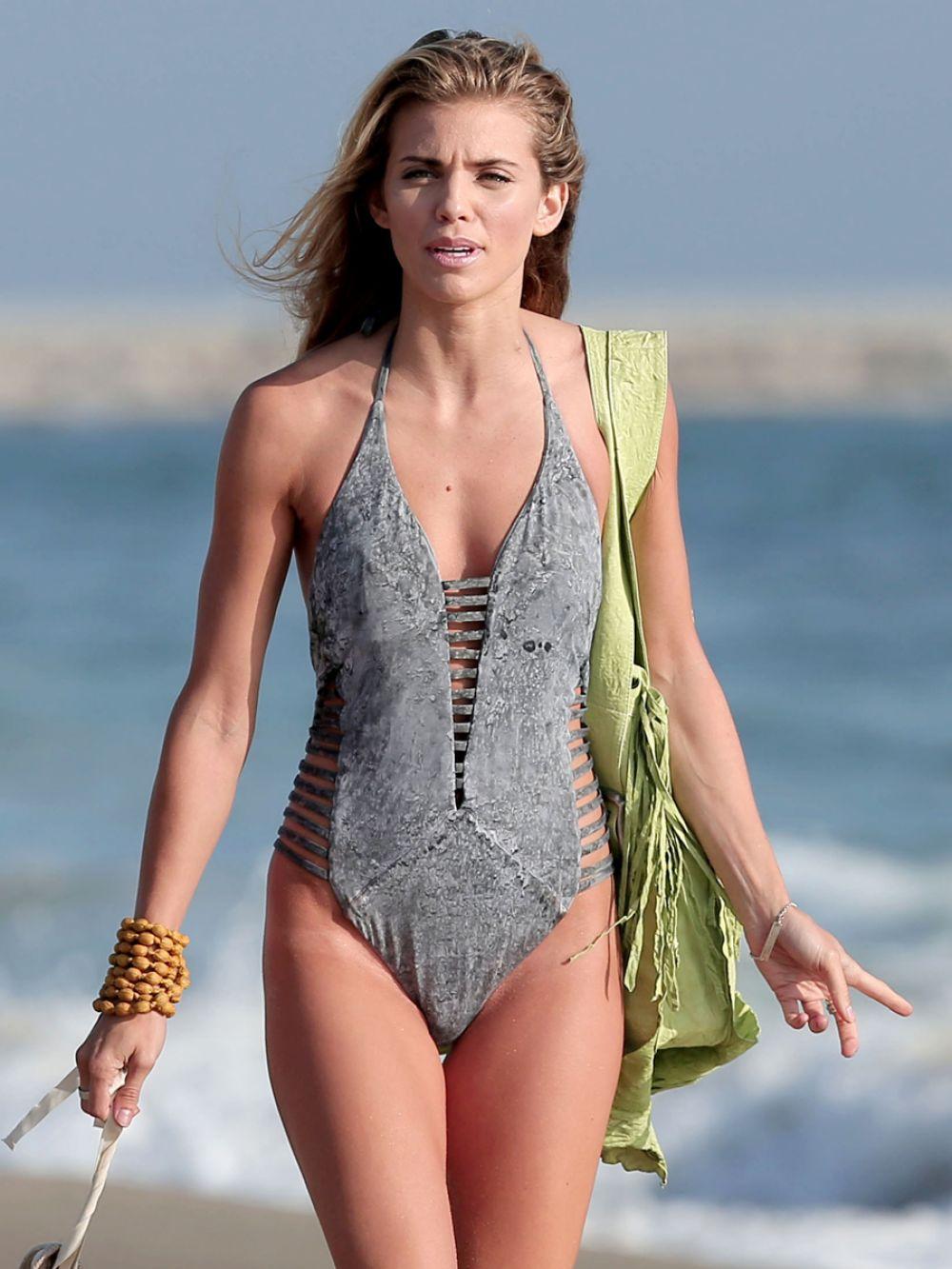 Stuff annalyne mccord bikini back GREAT