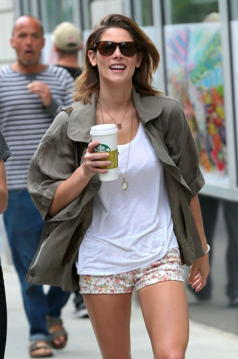ashley greene in short shorts out in new york hawtcelebs