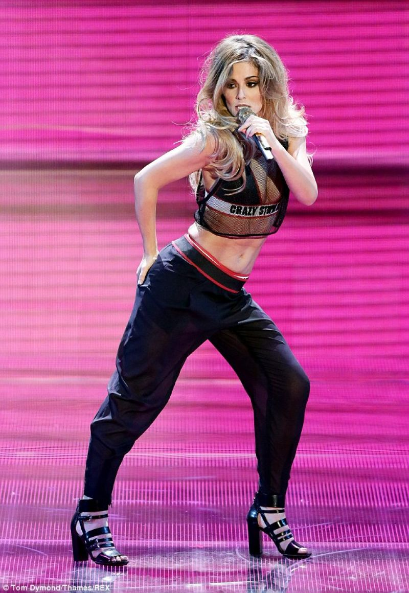 CHERYL COLE Performs at Britain