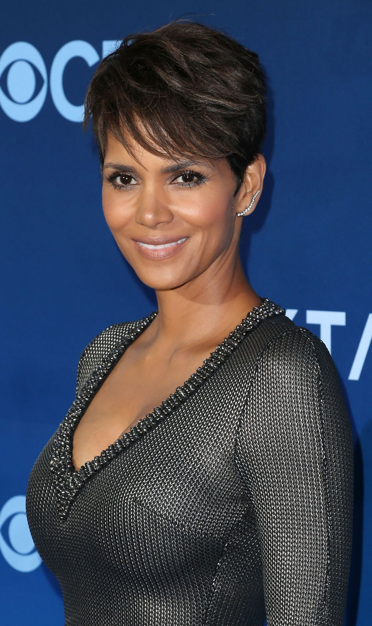 HALLE BERRY at Extant Premiere in Los Angeles - HawtCelebs ...