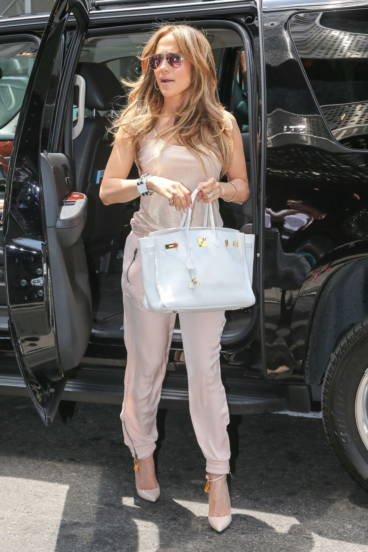 JENNIFER LOPEZ Out and About in New York 1706