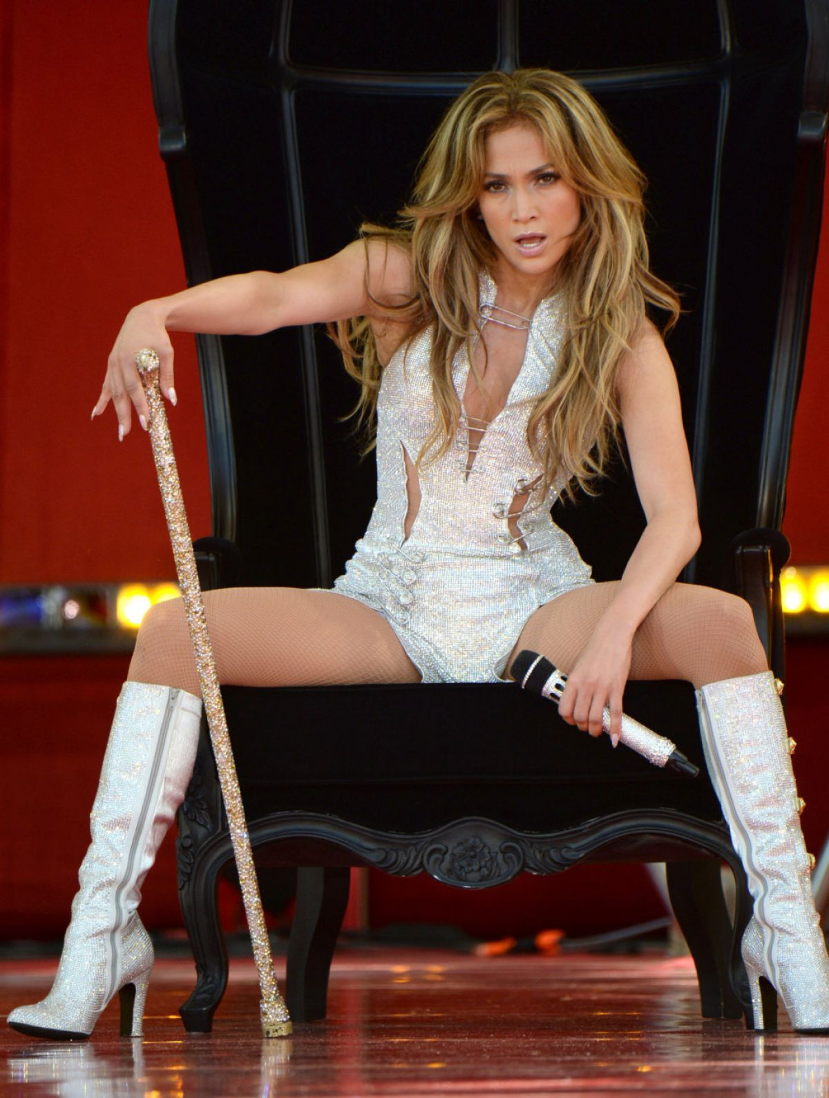 JENNIFER LOPEZ Performs at Good Morning America in New York
