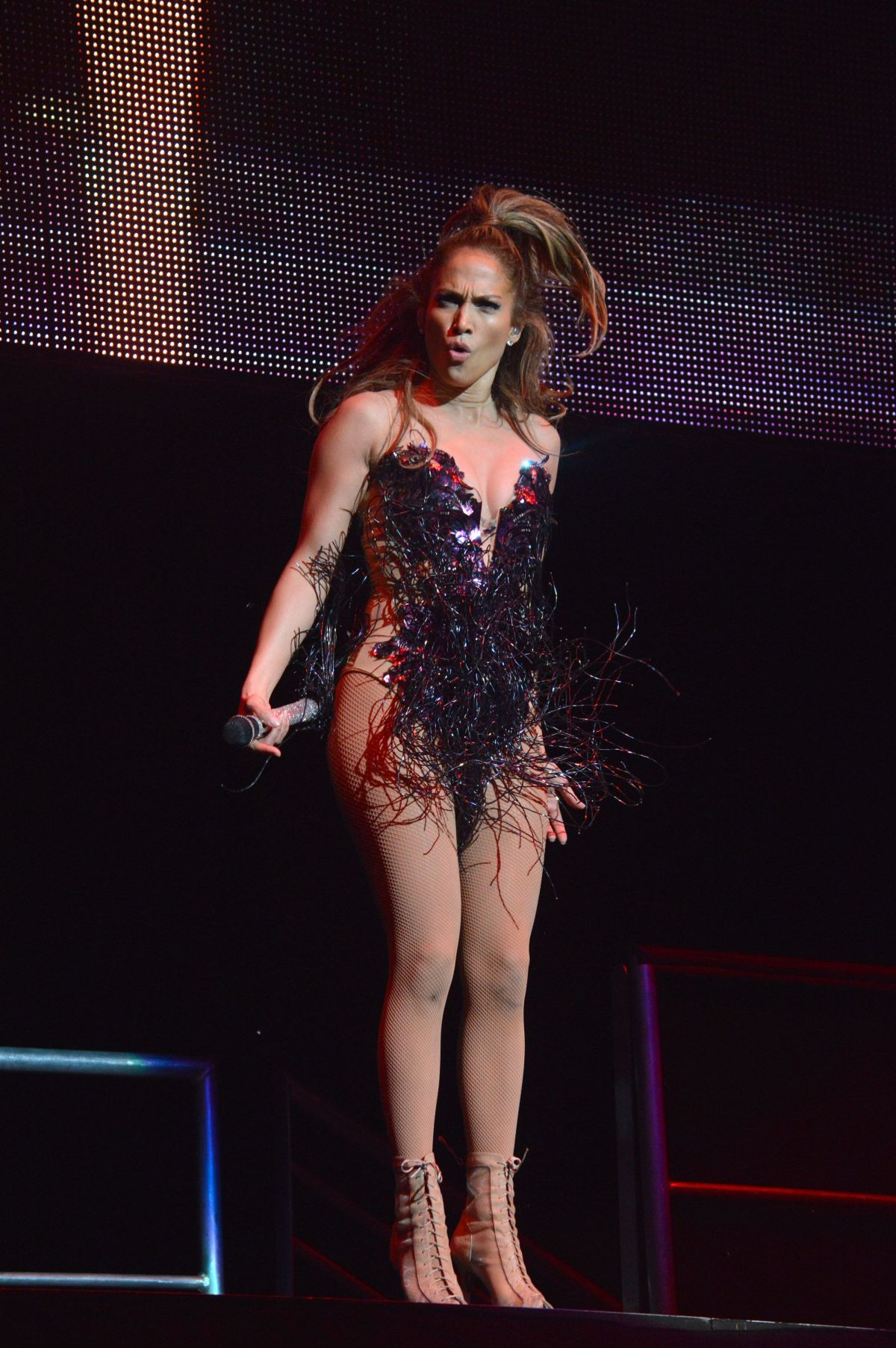 JENNIFER LOPEZ Performs at Kiss 108′s Concert 2014 in Mansfield