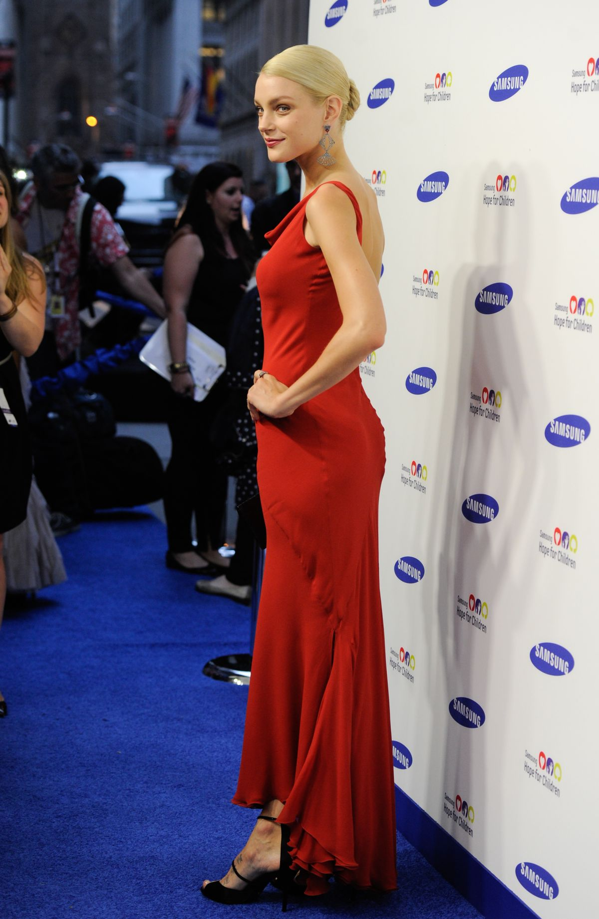 JESSICA STAM at Samsung Hope for Children Gala in New York