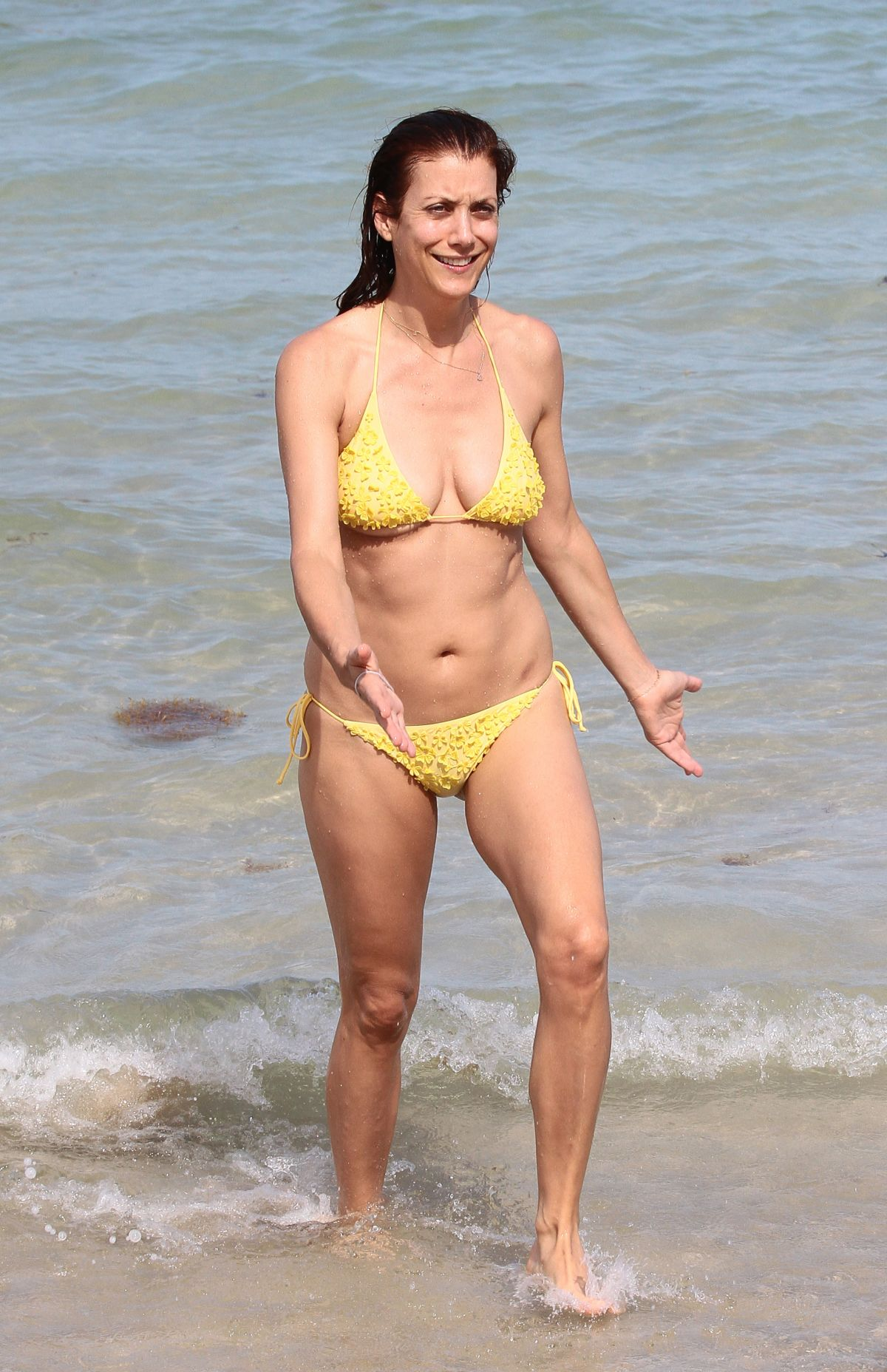 Kate Walsh In Bikini 28