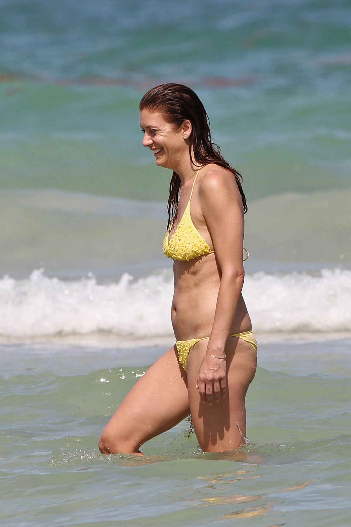Kate Walsh In Bikini 12