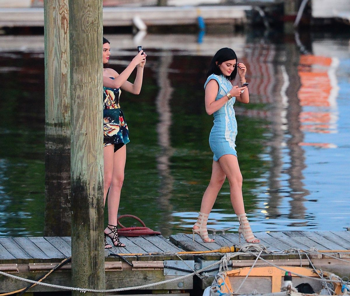 Kendall And Kylie Jenner At Pier Of Don Coqui City Island Restaurant In New York