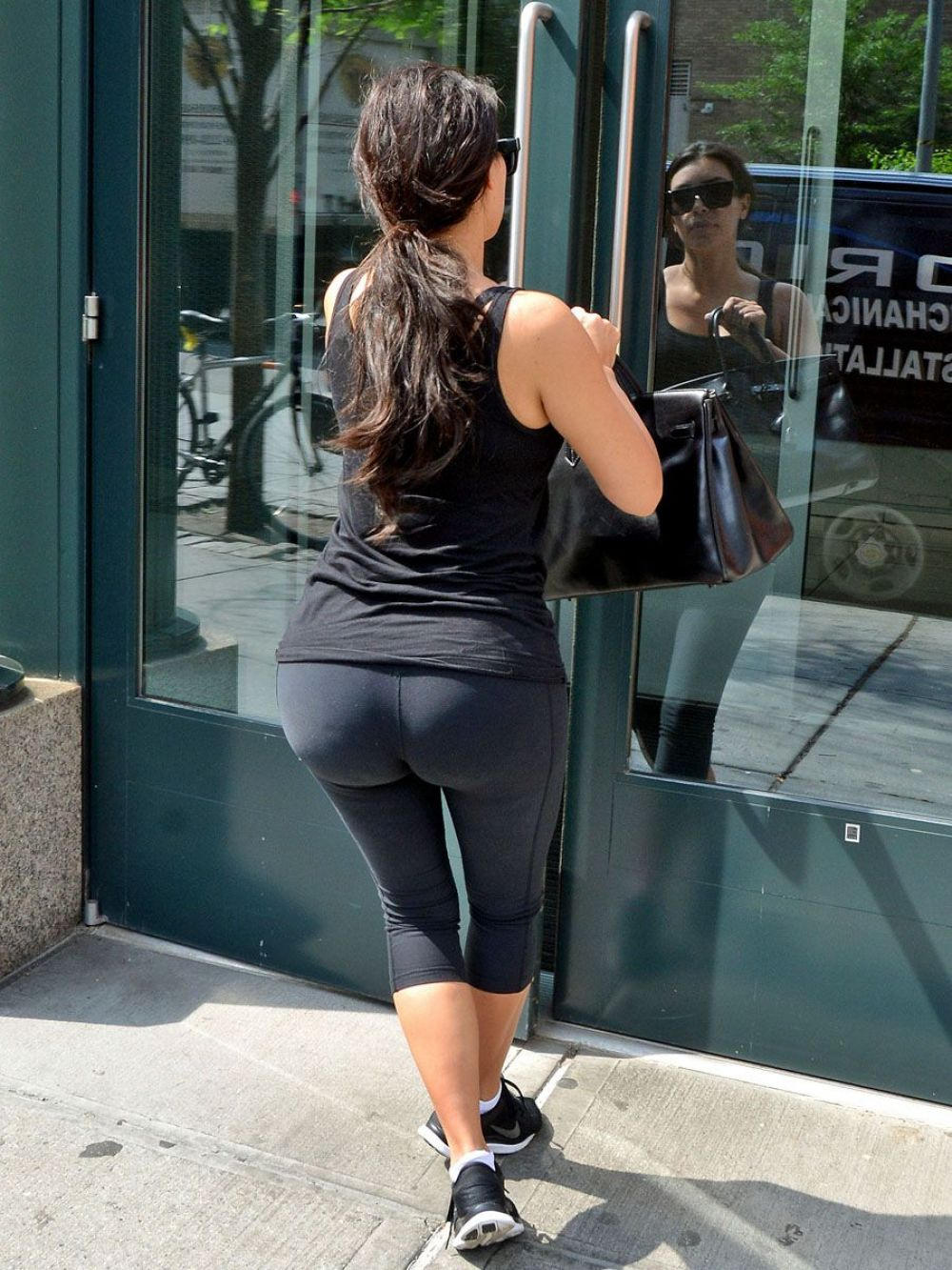 KIM KARDASHIAN Out and About in New York 1706
