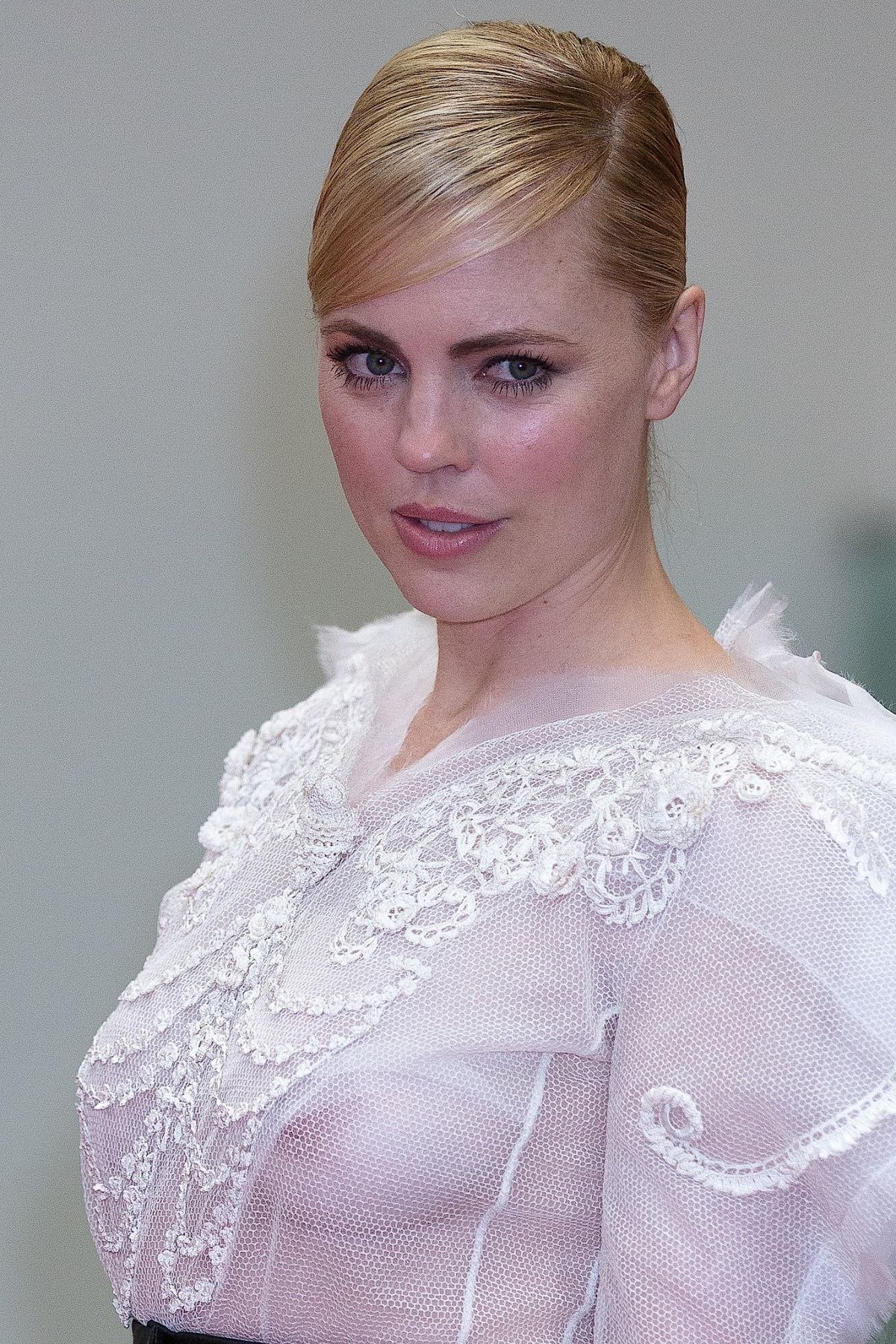 melissa george teeth