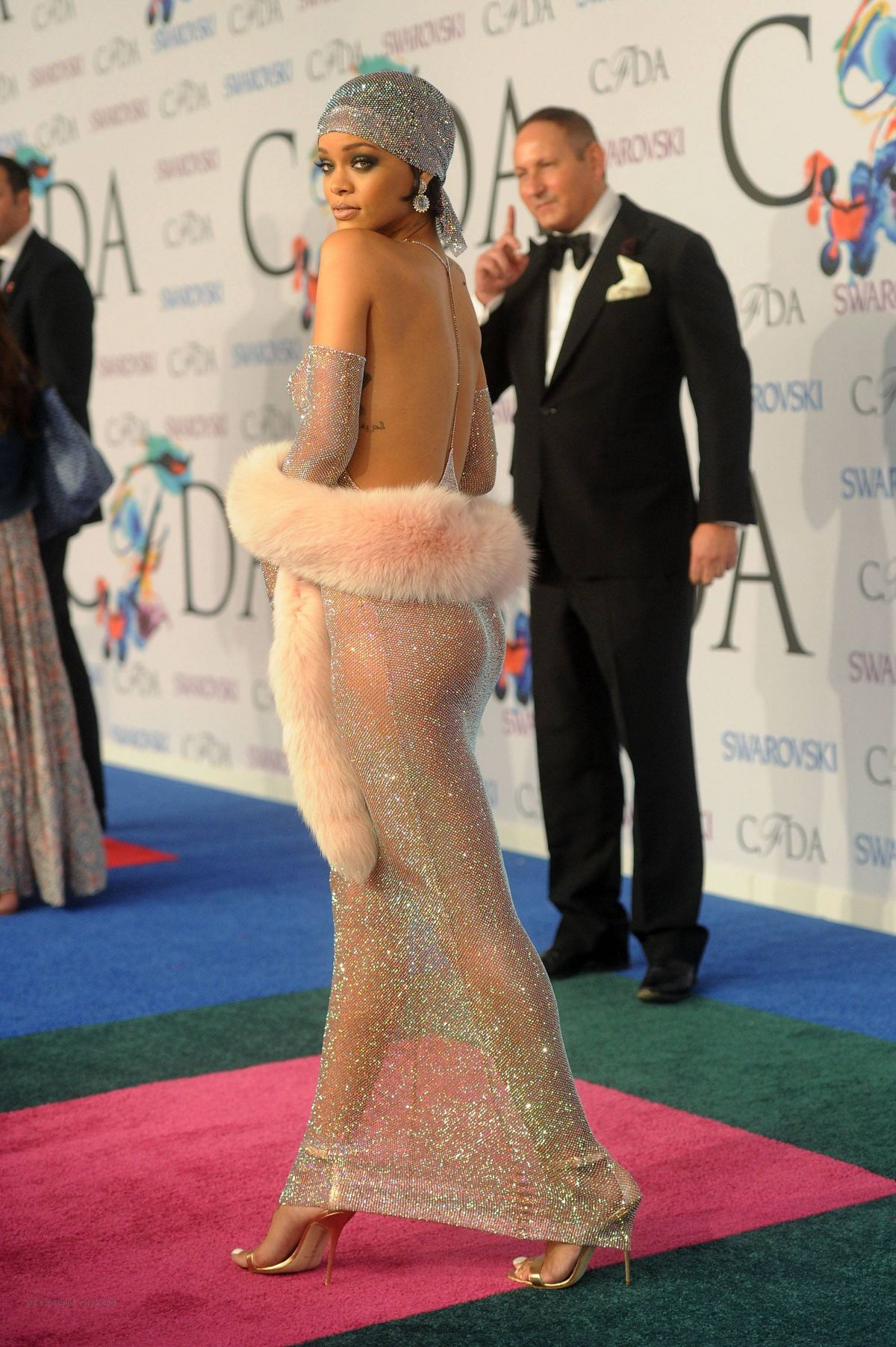 rihanna-at-cfda-fashion-awards