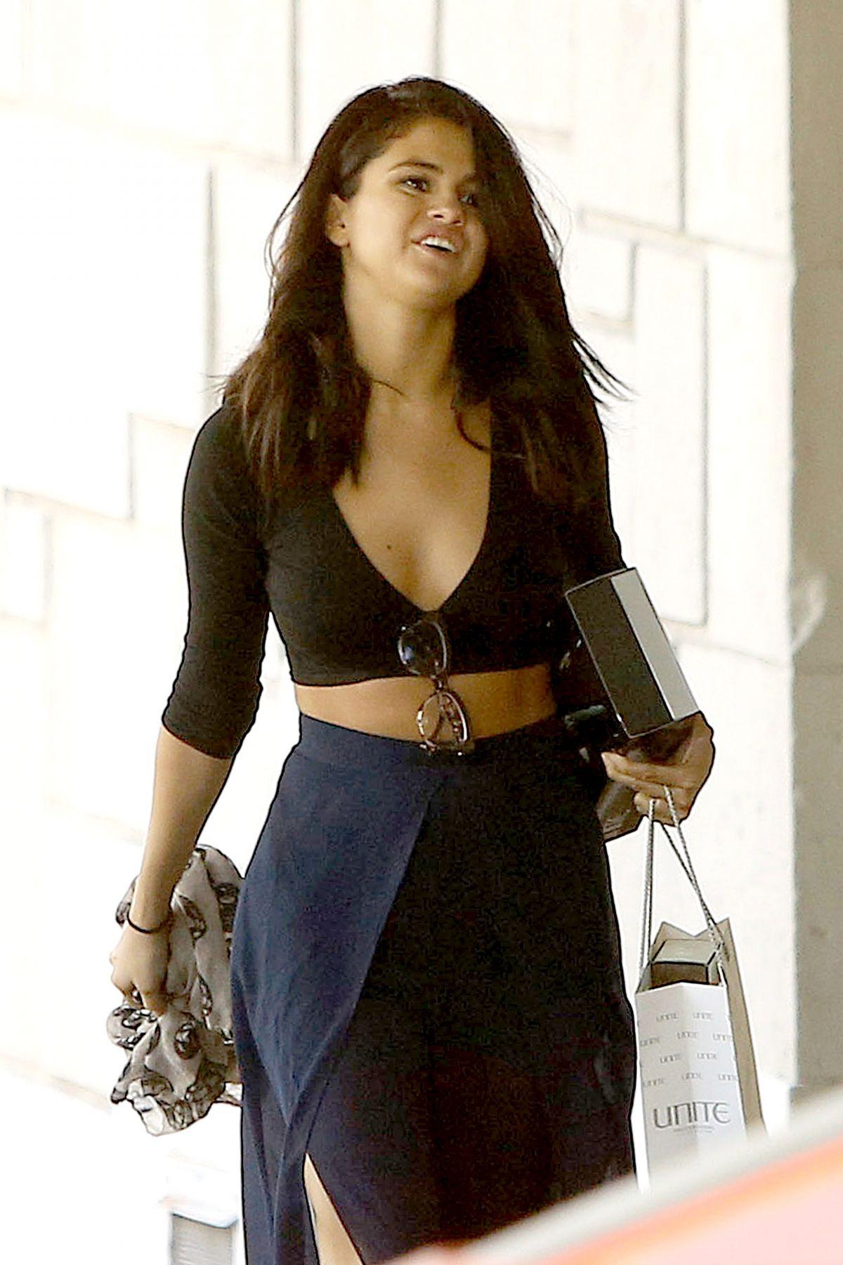 SELENA GOMEZ Leaves Nine Zero One Salon in West Hollywood 1106
