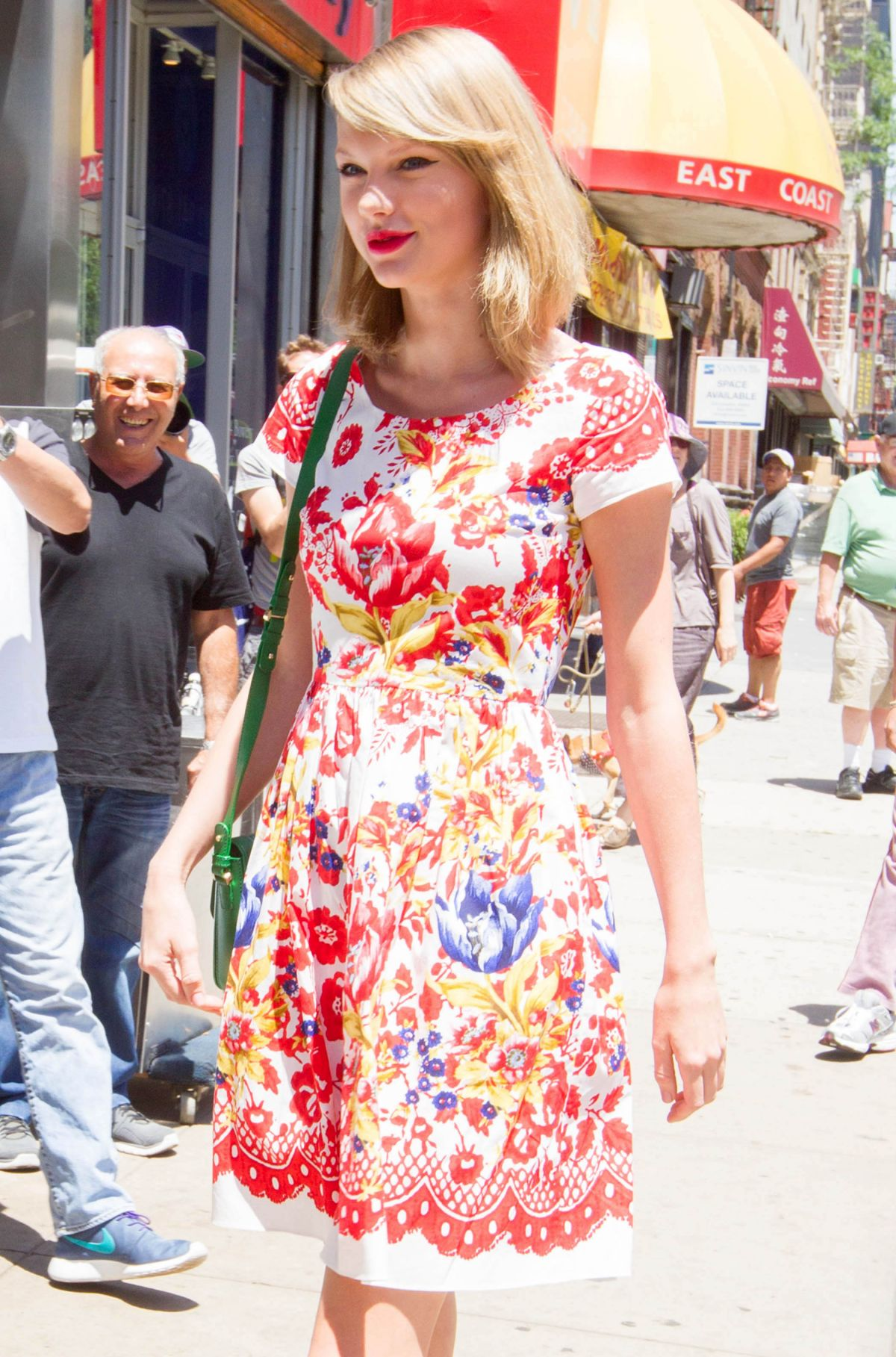 TAYLOR SWIFT Out and About in New York 2006
