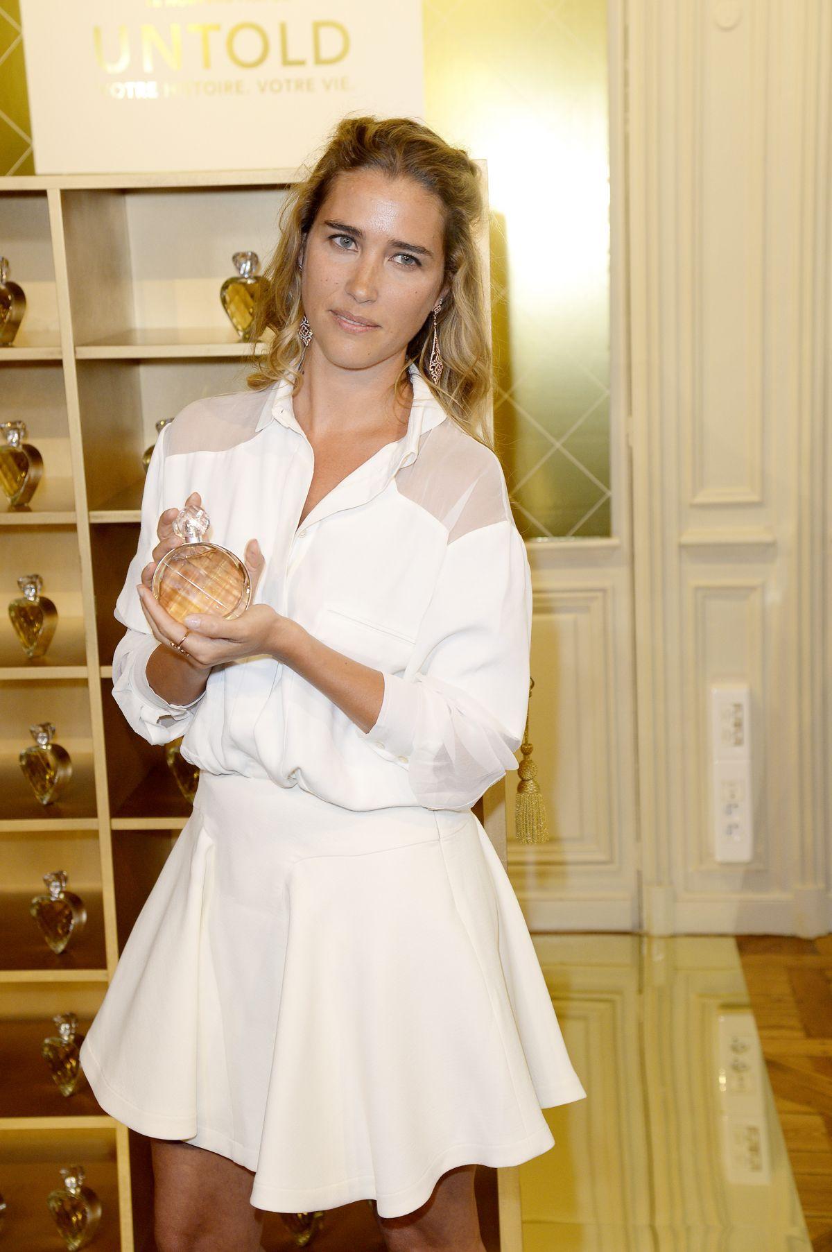VAHINA GIOCANTE ay Untold Perfume by Elizabeth Arden Launch in Paris