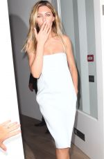 ABIGAIL ABBEY CLANCY Out and About in London 1707