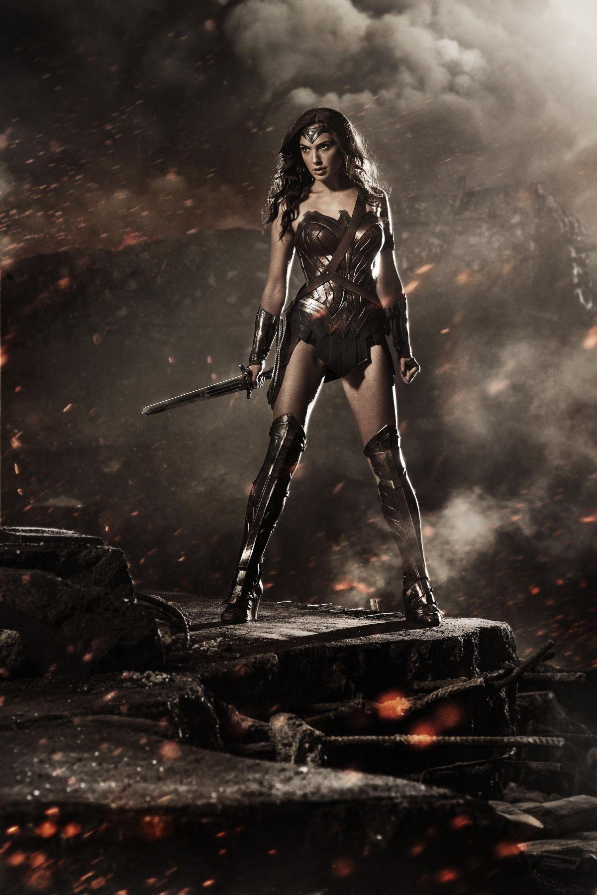 GAL GADOT as Wonder Woman - Comic-con Image release