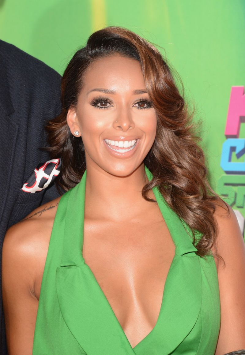 GLORIA GOVAN at 2014 Kid's Choice Sports Awards in Los Angeles