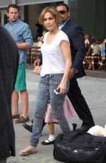 JENNIFER LOPEZ Leaves Her New York Hotel