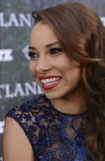 JESSICA PARKER KENNEDY at Outlender Panel at Comic-con in San Diego