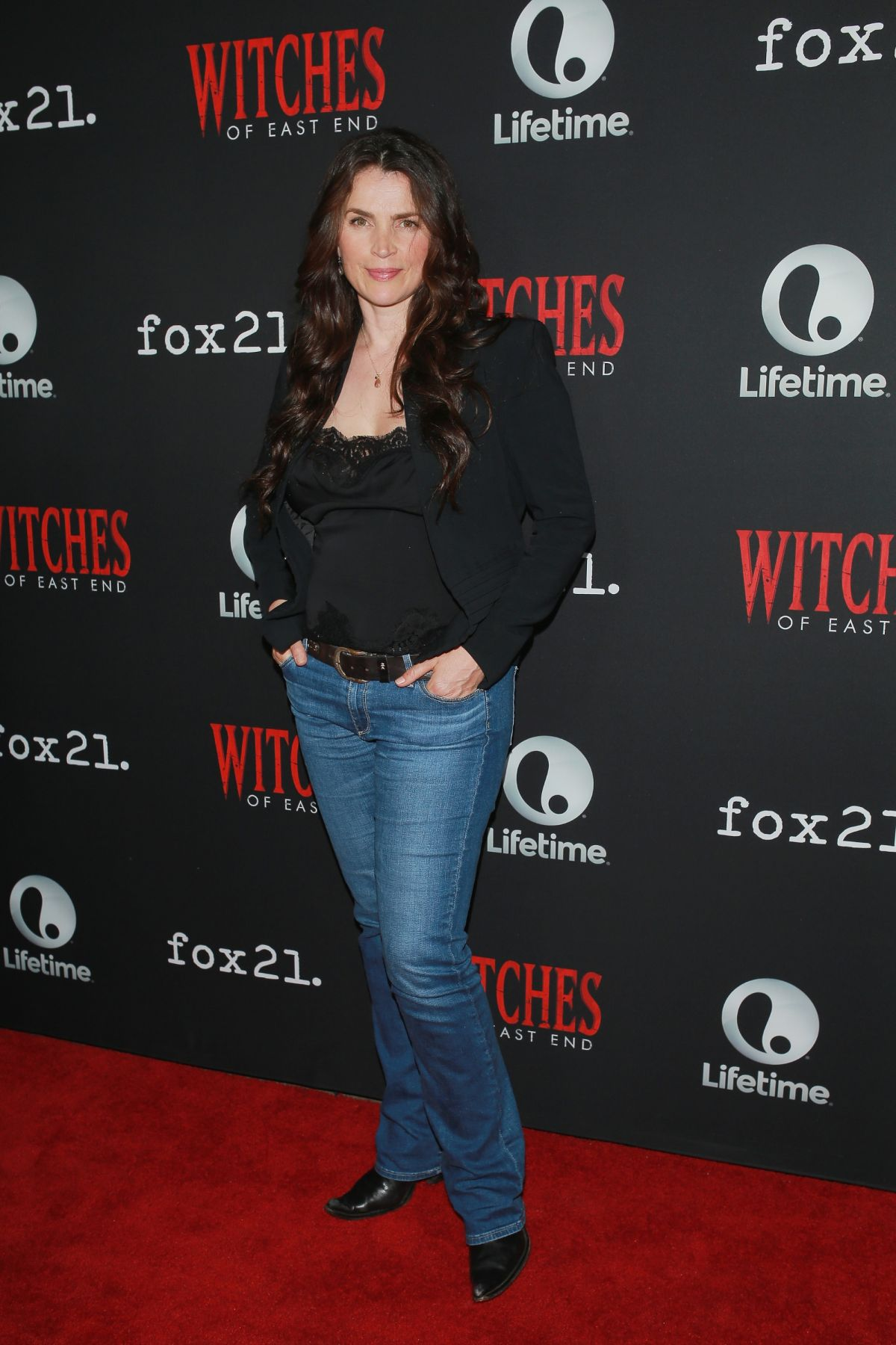 JULIA ORMOND at Witches of East End Panel at Comic-con in San Diego