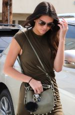 KENDALL JENNER Out and About in Beverly Hills 1207
