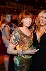 LISA ANN WALTER at Entertainment Weekly's Comic-con Celebration