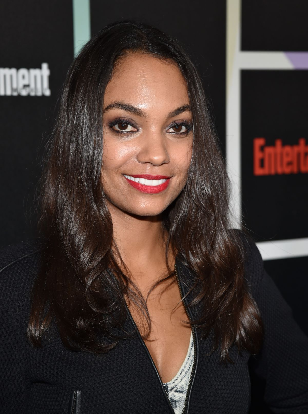 LYNDIE GREENWOOD at Entertainment Weekly's Comic-con Celebration