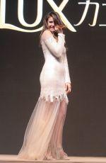 NINA DOBREV Promes Lux Shampoo in Beijing