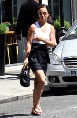 PIPPA MIDDLETON Out and About in Chelsea in London