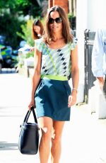 PIPPA MIDDLETON Out and About in Chelsea