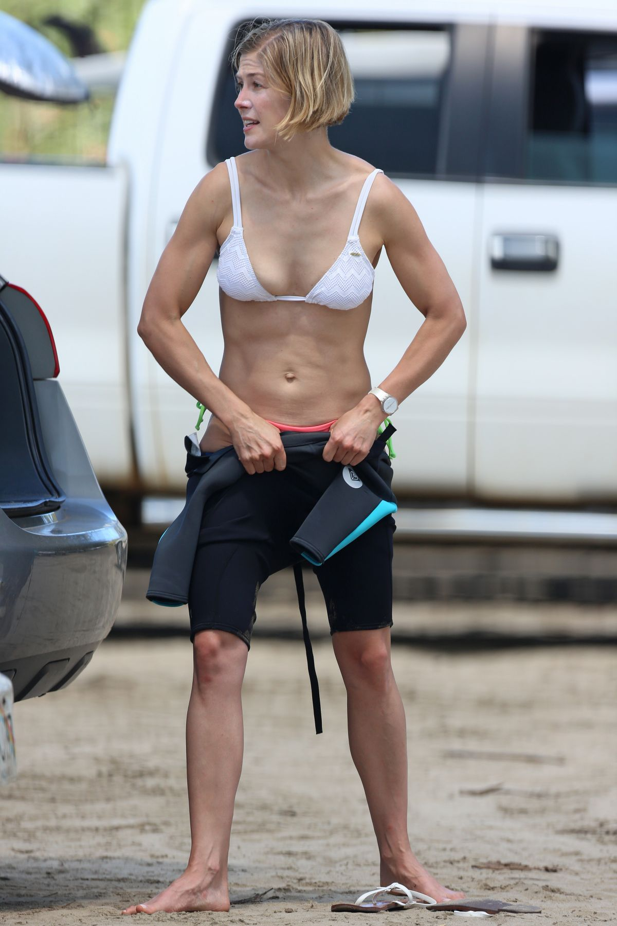 ROSAMUND PIKE in Bikini in HawaiiRosamund Pike 2014
