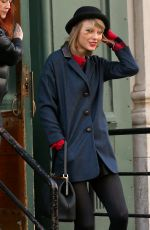 TAYLOR SWIFT Leaves Her Apartment in Tribeca 2605
