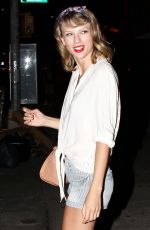 TAYLOR SWIFT Night Out in New York