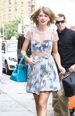 TAYLOR SWIFT Out in New York 3007