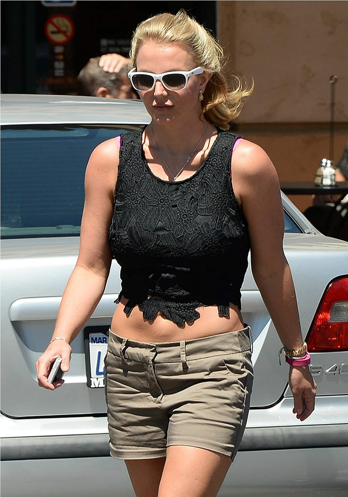 BRITNEY SPEARS Arrives at Corner Bakery Cafe in Thousand Oaks