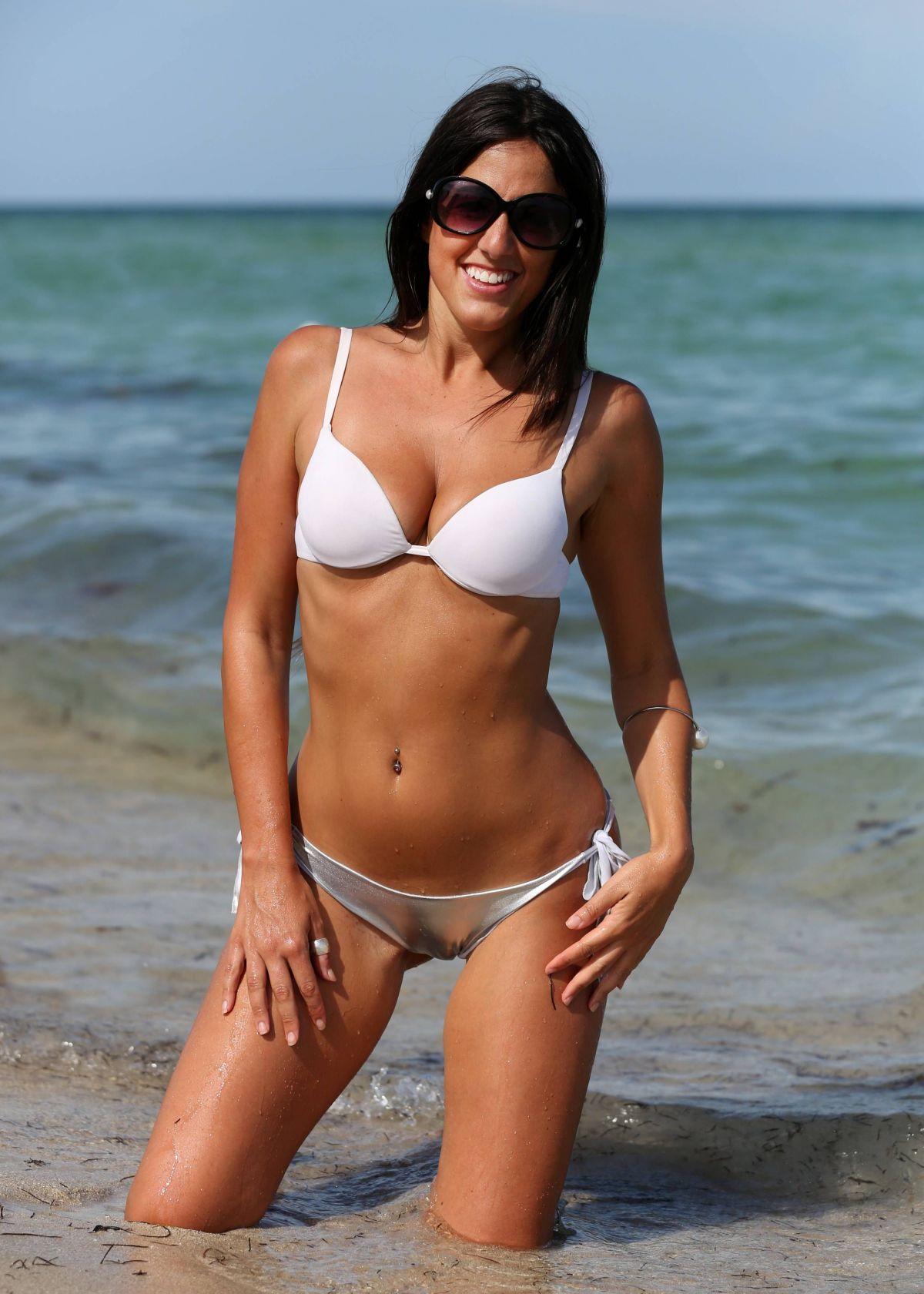 Naked female models widescreen