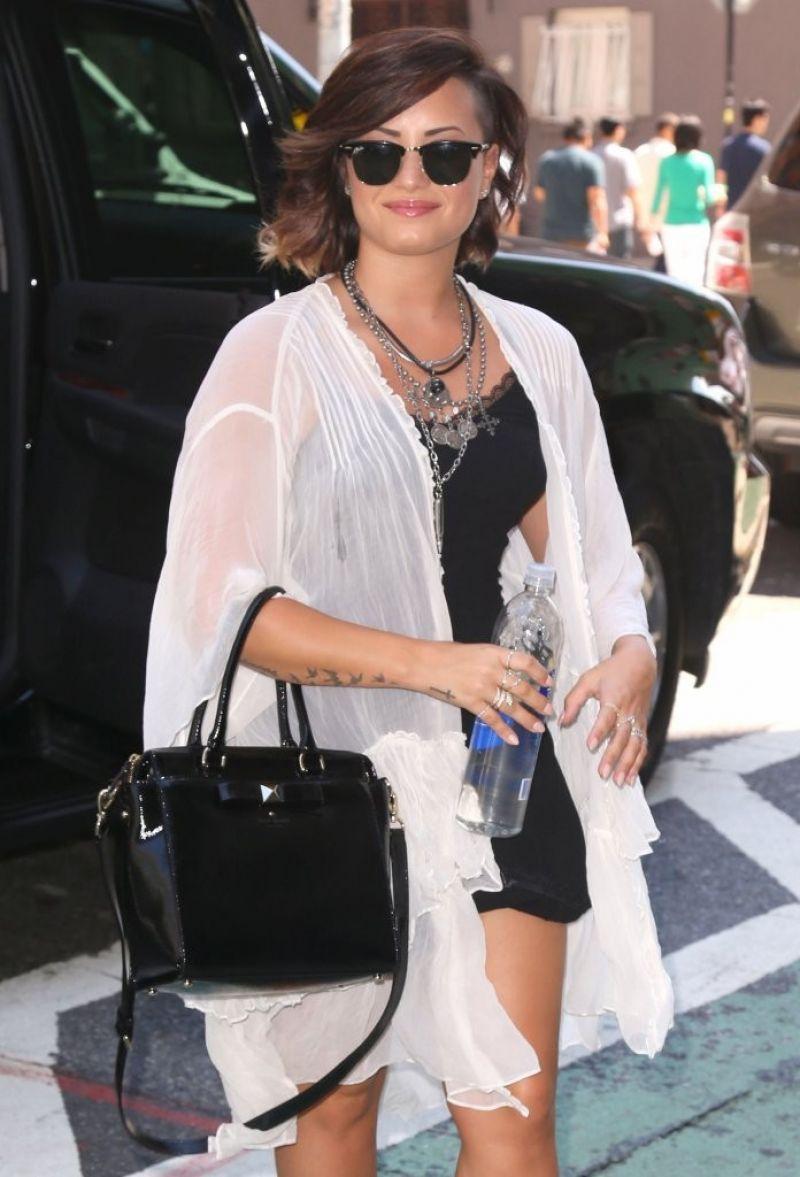 DEMI LOVATO leaves Her New York Hotel