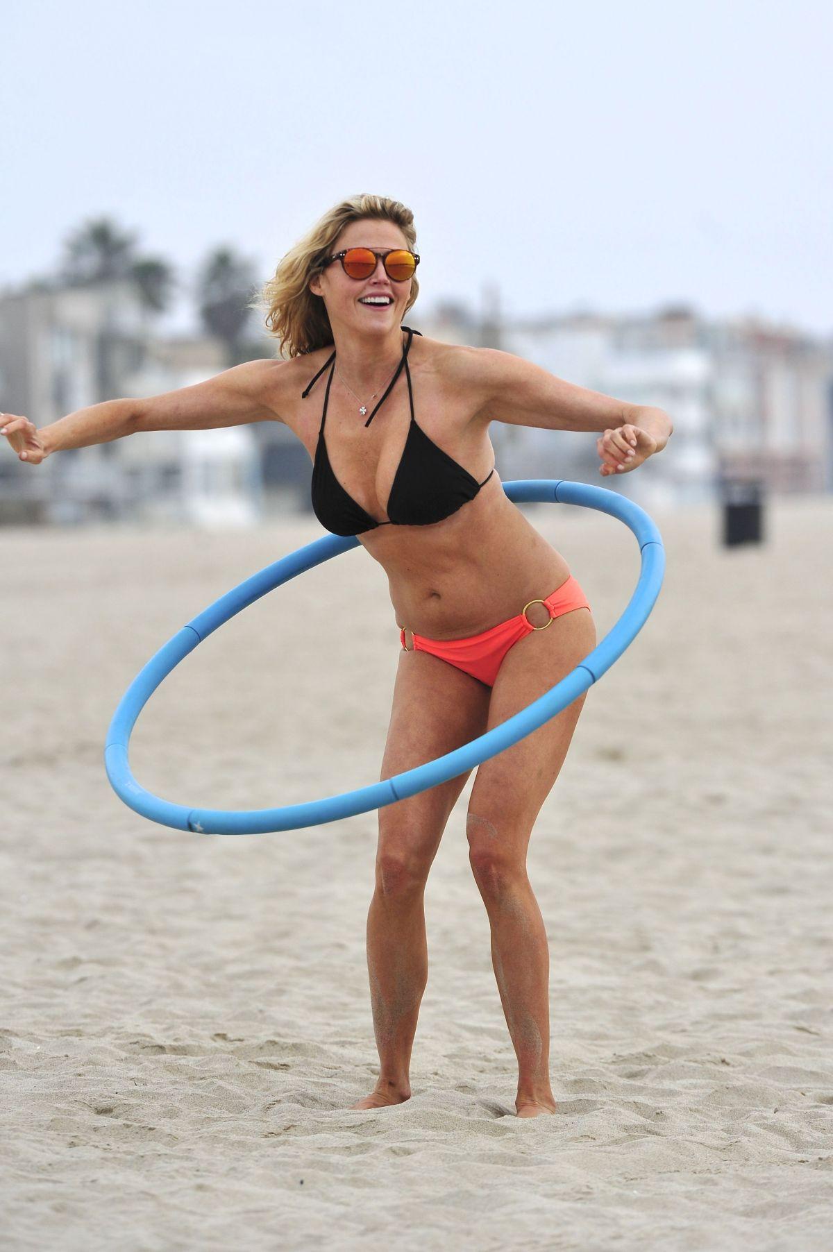 ESTELLA WARREN in Bikini at Venice Beach