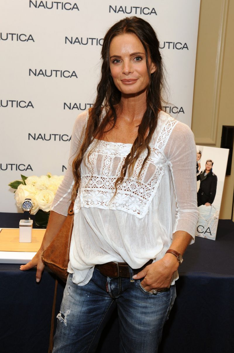 GABRIELLE ANWAR at HBO Luxury Lounge