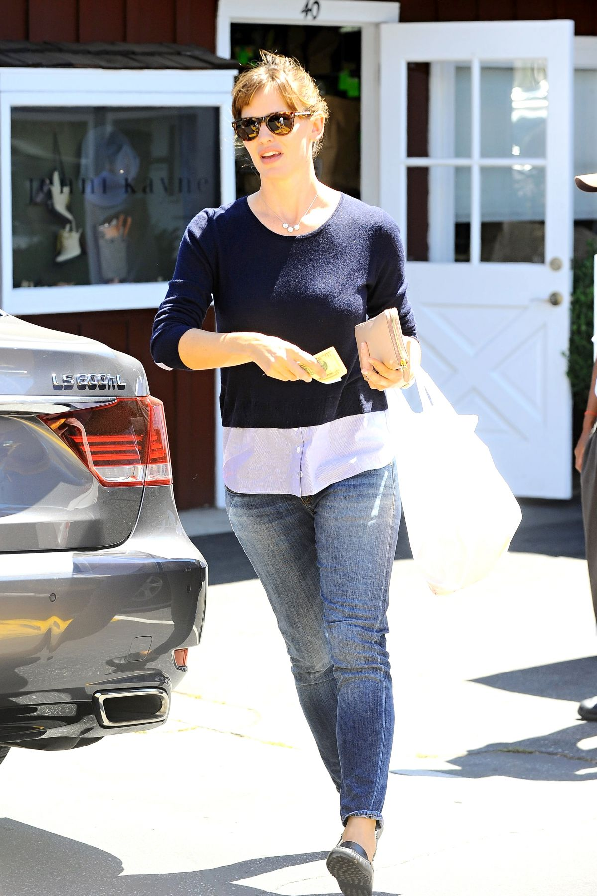JENNIFER GARNER Out and About in Brentwood 2808