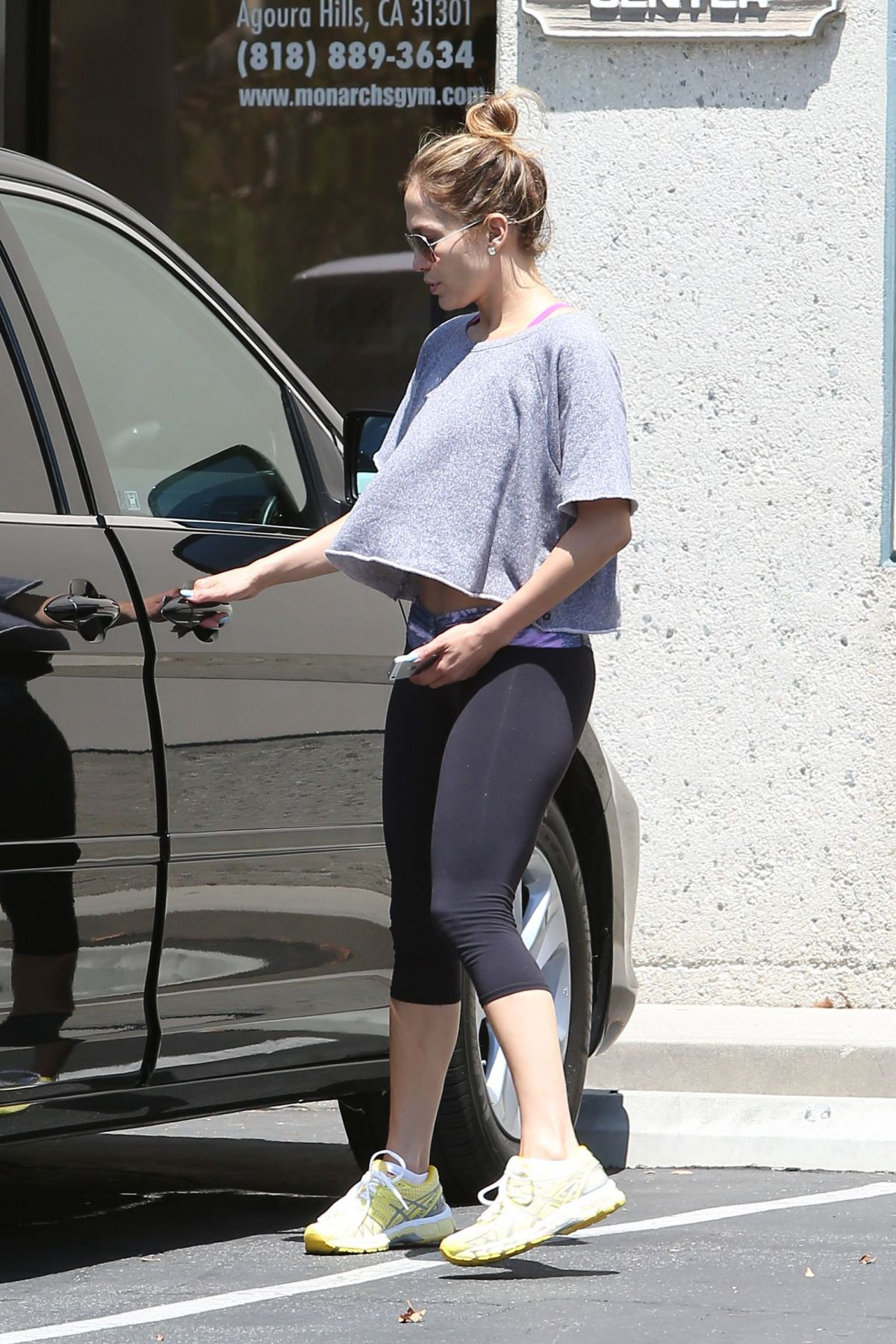 Jennifer lopez in leggings out and about in los angeles for En el gimnasio